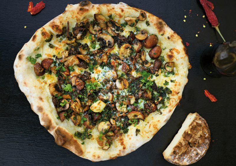 Recept Pizza svamp, vitlök och pecorino, Paolo Roberto