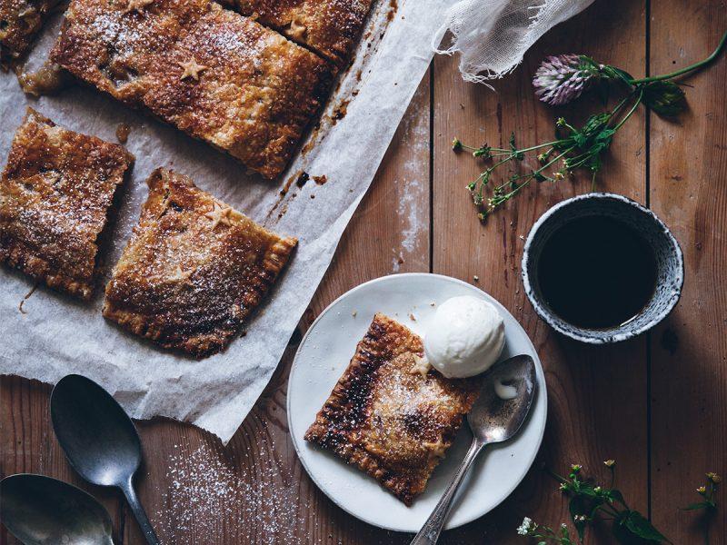 Recept rabarberpaj i långpanna